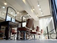照明、家具にこだわり、アンティークな空間です*[Soins水道橋
