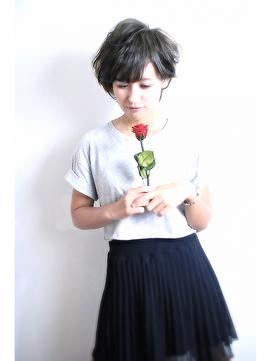 ベリーショートと薔薇