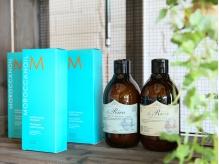 髪や地肌に優しいモロッカンオイルを使用。