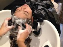 頭皮と髪を優しく保湿♪【アジュバンヘッドSpa¥3450】うとうと眠ってしまう程の心地よさを堪能…