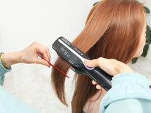 ナノスチームを使用した縮毛矯正☆トリートメント浸透率UP!ダメージレスでツヤさらストレート髪へ♪