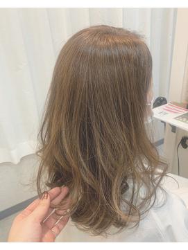 ハイライト 透明感カラー 髪質改善 ベージュ イルミナカラー