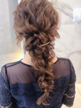 【AUBE HAIR】編みおろしヘア