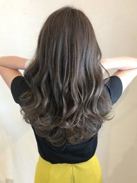 【Luccica】髪質改善グレージュカラー×ふんわりレイヤー