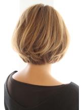 30代・40代に人気後頭部を綺麗に見せるボブスタイル グラマラス.6
