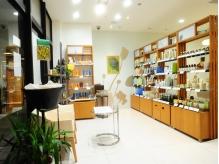 美容室にアヴェダ・オリジナル商品の販売ショップを隣接♪