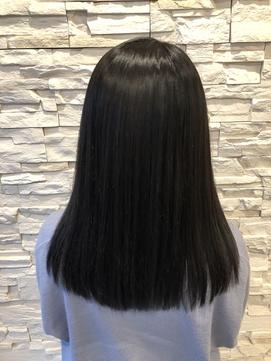 美髪!艶ストレートヘアー