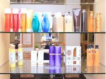 豊富なヘアケア剤をご用意!店頭でお買い求めいただけます。