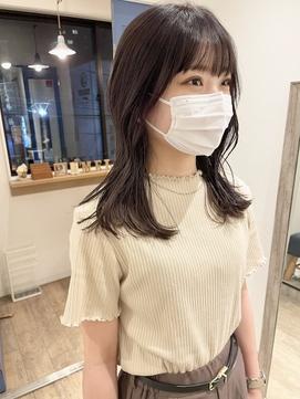 韓国風セミロングくびれヘア 透明感秋カラーラベンダーベージュ