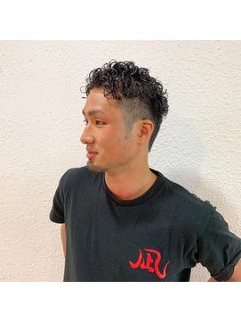 メンズヘア人気髪型宮城リョータツーブロックスパイラルパーマ