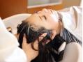 """疲労改善&髪ケアを叶える♪気温や環境の変化に伴う""""抜け毛""""…癒やされながら頭皮を整えましょう[関内駅]"""