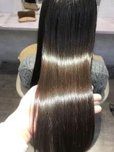 【hair make colorfulの理髪矯正】こだわり成分配合のトリートメントで憧れのうるツヤ美髪に!