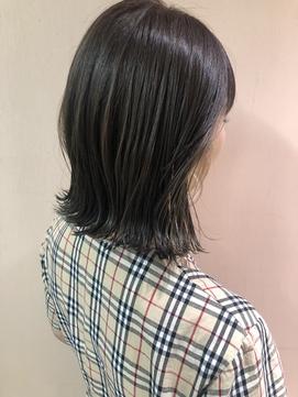 外ハネニュアンスロブ × 透明感カラー