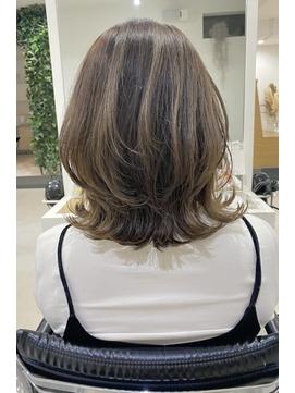 ◆◇大人可愛いくびれミディアムヘア くすみカラー◇◆