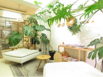 ハナサカヤヘアーサロン(hanasakaya hair salon)