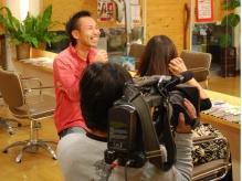 テレビ取材の様子。縮毛矯正専門神戸、大阪、京都、遠方から人気