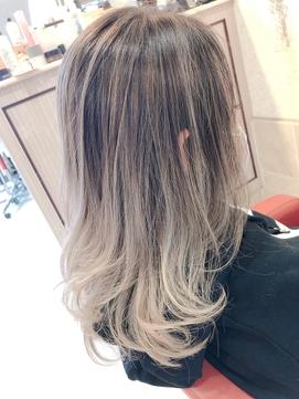 白髪染めからのハイライトグラデーションカラー♪