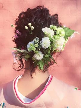 【ASSORT CLIENT】大切な日に合わせた生花&造花ヘアアレンジ