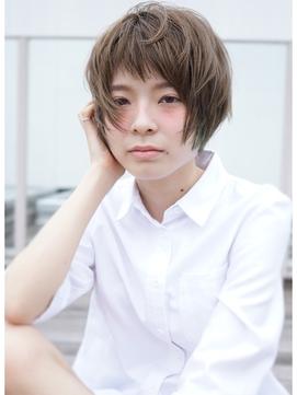 〈ofHair jiyugaoka>ターコイズ+ナチュラルフェザーショート