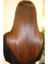 髪の性質を見極めればこそ!【縮毛×鮮やか発色カラー】【縮毛×ふんわりカール】は同時に叶うんです★