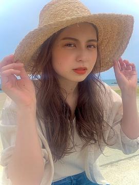 【KON】夏、麦わら帽子が似合うベージュ