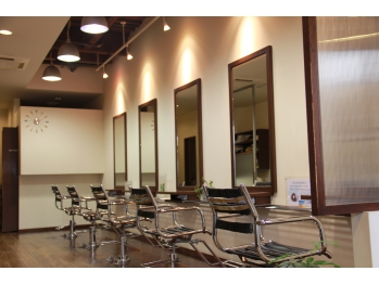 Hair Salon CHIROL