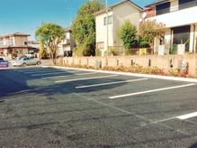 より停めやすくなりました!大型駐車場あります!
