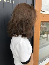 グレージュ×ミディアムヘア.42