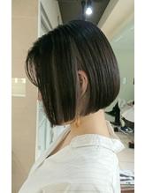 【Euphoria】切りっぱなしボブ☆ホワイトインナーカラー 前髪パーマ.23
