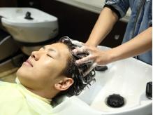 始めよう、頭皮ケア。高濃度炭酸泉使用《ターボヘッドスパ》で頭皮スッキリ、髪生き生き!若い方にも◎