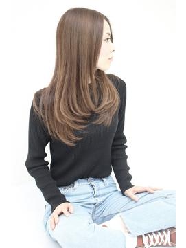 ≪前髪なし≫セミロングレイヤーストレートミルクティーアッシュ