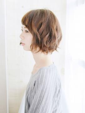 透け前髪が可愛い丸みバルーンボブ