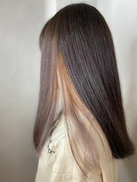 インナーカラー 重めバング 黒髪 個性的 重めスタイル