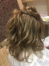 ミディアムヘアを立体的ハーフアップに♪.2