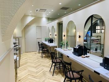 アトリエはるか 阪急神戸三宮店(兵庫県神戸市中央区/美容室)