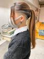 スキンフェード女子  ツーブロック 刈り上げ  ラインアート