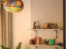 ランプのカラフルで暖かい光にも癒されます。