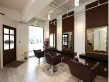 リアナ ヘアーアトリエ(LIANA Hair Atelier)の詳細を見る