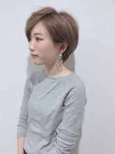 外国人風艶カラー 大人かわいいグレージュ小顔ショートボブ.23
