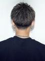 刈り上げツーブロック短髪アップバングハンサムショートコンマ