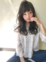 暗髪でも重く見えない!キュートなセミロングスタイル☆.2