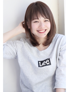 前髪が可愛いミディアムクラシカル斜めバングワンレン田塚裕志