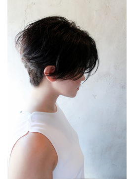 【カッコいいヘアスタイルがお好き方へ】前下がりショート