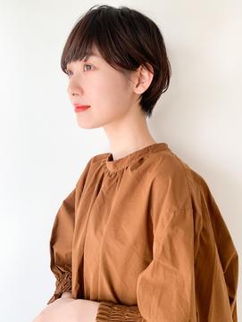【yuka】暗髪アッシュブラウンのシンプルショート