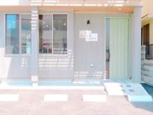 ドゥ エイチ ヘアールーム(deux h hairroom)