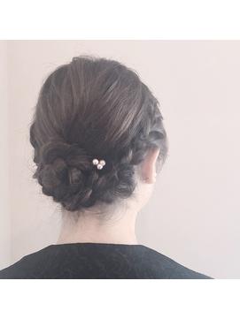 シンプル編み込みヘアセット
