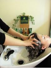 クチコミでも人気の【炭酸メニュー】で、髪も地肌もリフレッシュ!癒しの時間を体感して下さい♪