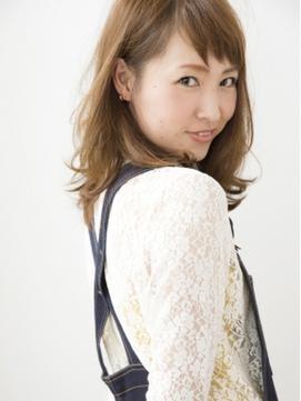 【komorebi】短め前髪が可愛いミディアムヘア
