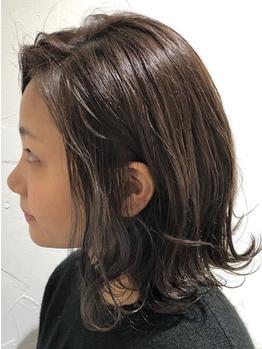 ホワイト ヘアーデザイン(white. hair design)