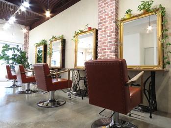 ランプス ヘア アトリエ(Lamps hair atelier)(京都府京都市中京区)